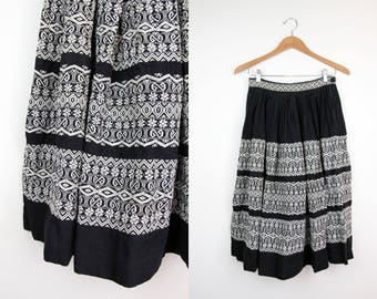 Embroidered Mexican Souvenir Skirt + Vintage 50s Full Skirt  + High Waist Heavy Woven Cotton Skirt + Black and Cream Embroidery +