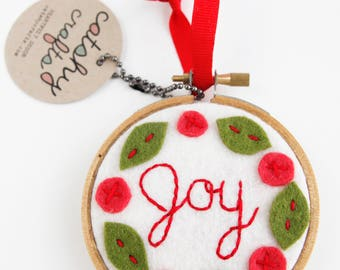 Christmas Ornament / Mini Embroidery Hoop Art / Joy Wreath / Felt Wreath Ornament / Christmas Stocking Stuffer / Gift Under 25 /