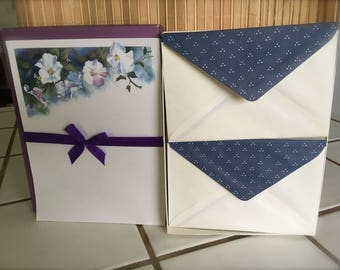"""Vintage 90's  """"LAVENDER WHITE POPPiES STATIONERY""""  by Whitings Sociables Fine Writing Paper -Nice looking!"""