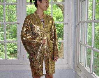 Gold Kimono Robe of Japanese Elegance/Vintage 1950s 1960s/Gold Metallic Lurex Brocade Kimono/Gold Floral Medallions/Evening Jacket/S M