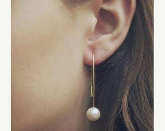 ON SALE Dainty dangle pearl earrings - Pearl hook earrings