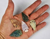 "Mulitpack 1"" Agate Arrowheads DRILLED 1 HOLE Stone Knapped Arrowhead Spear Point Reproductions bulk wholesale"