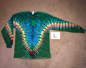 Rainbow/Emerald Green V with Aqua Spider Spiral i_8266 in Long Sleeve Adult Large