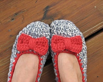Crochet Womens Slippers - in Gray with Red Bow, Accessories, Adult Crochet Slippers, Home Shoes, Crochet Women Slippers