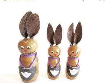 SUMMER SALE - German Vintage Easter Wooden Bunnies with Lederhosen, Made in the DDR Erzgebirge in the 70s