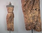 1950's Brown Cotton Sarong Tiki Dress with Diver and Fish Novelty Print / Size XSmall Small