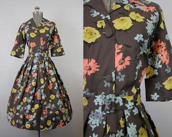 1950's Brown Shirt Waist Floral Print Cotton Day Dress / Size Large