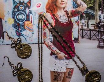 """Clock"" steampunk necklace"