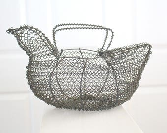 GATHERING BASKET, Vintage, Wire Chicken Shaped Egg Gathering Basket, Farmhouse Decor, Egg Basket, French Country Decor