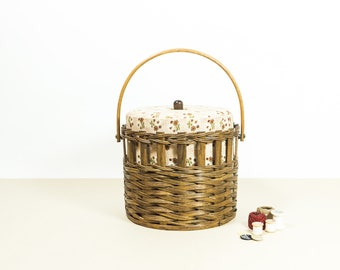 Vintage Sewing Basket, 70s sewing cabinet, haberdashery storage