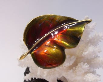Green and Red Enamel Vintage Gold Tone Leaf Brooch Pin Perfect for Fall