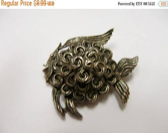 ON SALE Vintage Modernist Fish Pin Item K # 1296