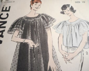 Vintage 1950's Advance 9229 Butterfly-Sleeved Peignoir Sewing Pattern Size 10 Bust 31