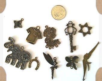 Amazing lot- Mix 10pcs antique bronze finish metal pendants-6108J