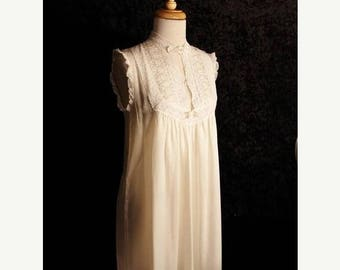 On Sale 50% OFF Vintage Christian Dior Ivory Cream Nightie Nightgown Lace  SZ L Petite