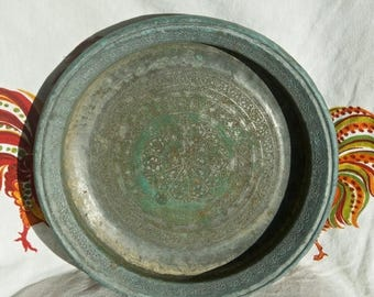 Vacay SALE...ships 7/8... Vintage copper bowl...etched copper bowl or deep tray.