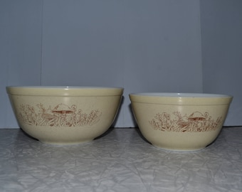 Pyrex Forest Fancies Mixing Bowl Set of 2 ~ Pyrex 403 & 402 ~ 70s Kitchenware ~