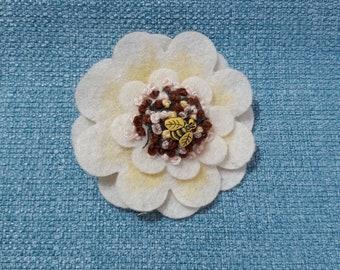 Bumble Bee Brooch, Flower Brooch, Textile Brooch, Fabric Brooch, Bumble Bee, Scarf pin, bag accessory, felt brooch