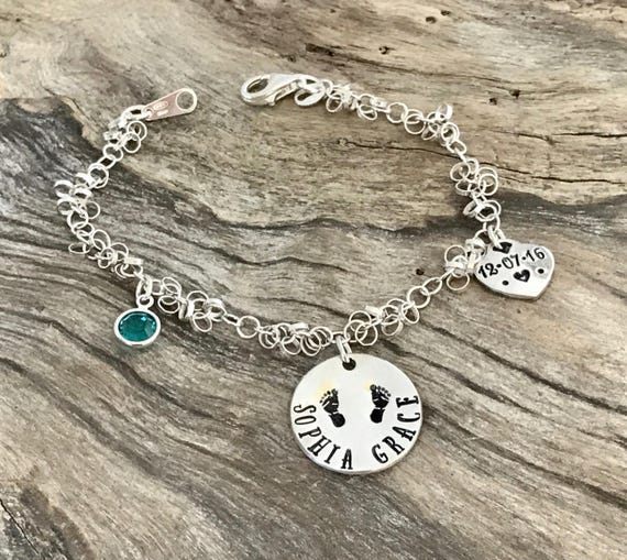 Personalized Mommy bracelet /Newborn baby Gift for Mommy / Bracelet with birthstones / Shower or push gift / New mom gift