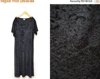 ON SALE 90s Black Crushed Velvet Full Length Dress Witch Maxi Womens 2X-3X Plus Size