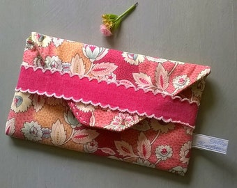 Hand Finished Pink Patterned Fabric Pouch / Glasses Case / Specs case / Purse / Bag / Eye glass case