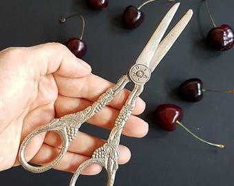 SALE Antique Victorian silver plated Engraved Grape Scissors ,Vintage EPNS ornate Grape scissors, decorated scissors