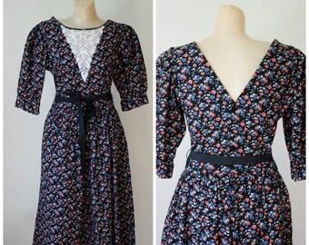 Sale Lanz Dress / Vintage Dress / 1980's Dress / Blue Calico Dress / Day Dress / Prairie Girl Dress / Vintage Lanz Dress S