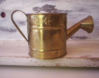 Vintage small metal watering can/Vintage Hosley Brass Decorative Watering Can/Brass tin container/grading watering con/Grading accessory