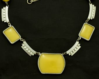 1930s Art Deco Necklace Lemon Yellow Glass Beads & Panels ~ Lot 1672