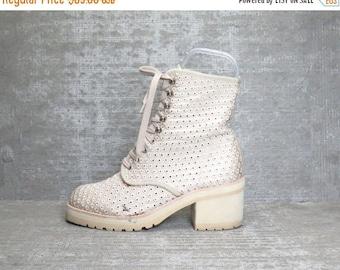 40OFF Vtg 90s Beige Crochet Eyelet Mesh Block Heel Grunge Lace up Boots 8