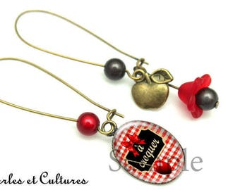 Earrings has eat toffee Apple Red Black White bow cabochon