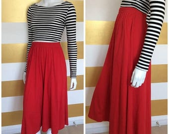 30% OFF Vintage Red Skirt - Midi - High Waisted - Cotton - 80s - Summer - Bright - Full - Below the Knee - S