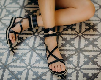 leather sandals,boho womens sandals,fringe sandals,boho sandals,elegant flat sandals,trendy sandals,bohemian chic sandal,decorated sandals