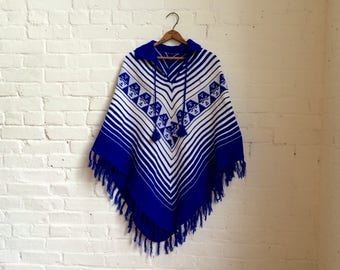 vintage women's blue and white southwestern sweater poncho one size fits most