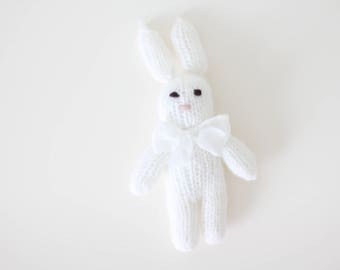 Newborn props - Baby girl rabbit - Photo prop rabbit - Newborn rabbit - Newborn white - Newborn girl - Photo prop girl - Newborn girl