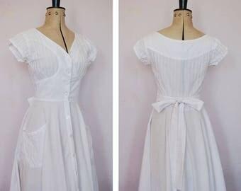Vintage 1970s White pintucked boho dress - 70s Prairie dress - Vintage white cotton dress - button down dress - Summer dress - hippy - boho
