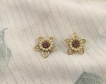 Vintage Pin, Amethyst Pin, Pearl Pin, Flower Pin, Flower Shaped Pin, Vintage Brooch, Amethyst and Pearl, Pair Pins, Purple Pins