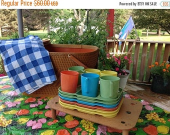 On Sale Redmon Picnic Basket With Cups Plates And Tablecloth Vintage Picnic Basket Set