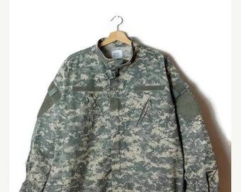 ON SALE Vintage US  Army  Digital Camo /Camouflage Combat Shirt Jacket/Acu/Xl-Reglar *
