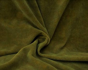 "Hand-dyed Velvet - Olive Green - Fat Eighth 16"" x 15"""
