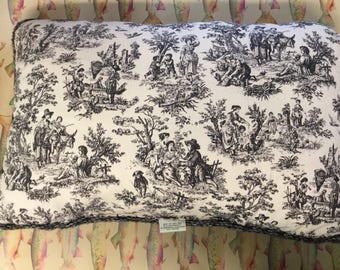 "Waverly Toile Pillow black and cream/off white 17""x26"" in EXCELLENT condition"