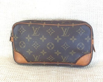 20% SUMMER SALE Vintage Louis Vuitton 22 monogram canvas toiletry travel bag