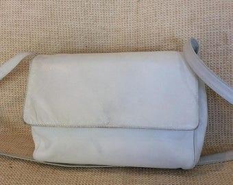 20% SUMMER SALE Vintage BOTTEGA Veneta white leather shoulder bag crossbody distressed