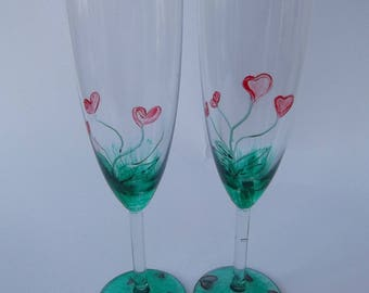 Duo of wild hearts flutes to celebrate love