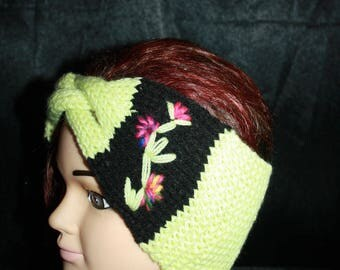 Green and black, very nice headband with braided Center