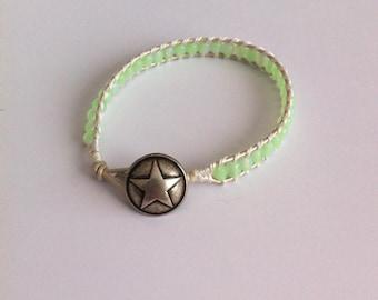 Type bracelet Chan Luu pale green and ecru