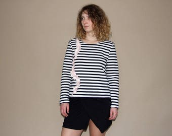Women's black-white striped frilly sweatshirt/striped blouse