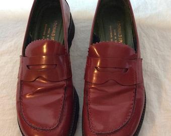 Donald J Pliner designer red leather walking shoes comfortable