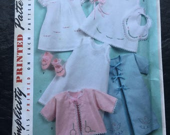 Vintage Babies' Layette and Bonnet in Three Sizes Pattern // Simplicity 2900 > S, M, L > bib, booties, dress