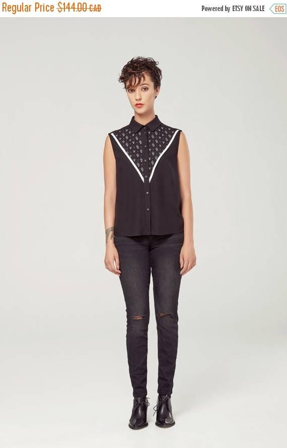 SOLDE GRAND DUC - sleeveless shirt, blouse for women - white with triangles silkscreen